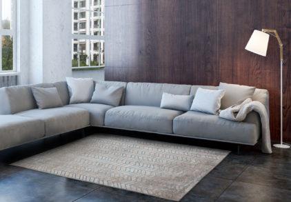 niebiesko biały dywan w jodełkę - Tribeca Blue 8927 aranżacja