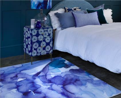 Abstrakcyjny Niebieski Dywan Artystyczny- Blue Skies 013708 - aranżacja